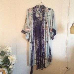 In Bloom by Jonquil gown set sz. M